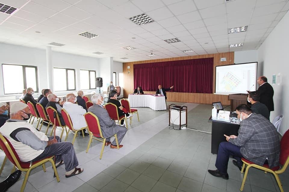 Milletvekili Battal ve Belediye Başkanı Pekmezci kentsel dönüşüm için mülkiyet sahipleriyle bir araya geldi