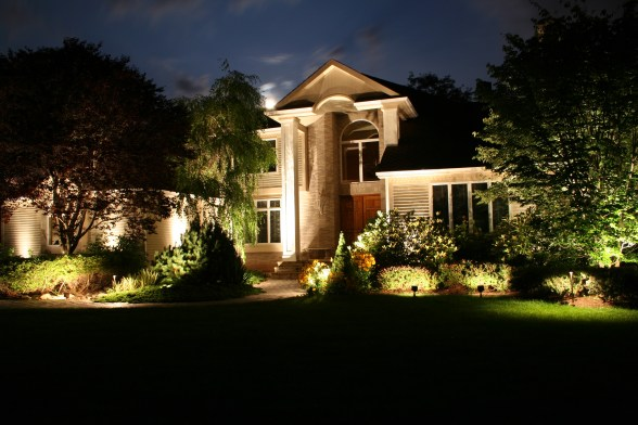 Beautiful Home lighting on Monument. Professional architectural lighting, outdoor lighting, lighting design.