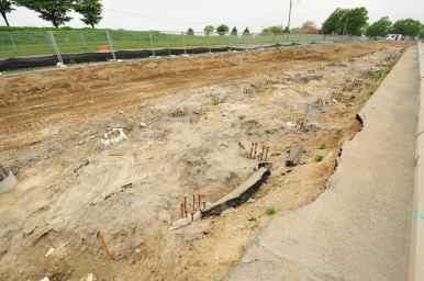 Berm Construction (South Side) (05/2015)