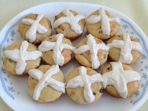 hot cross buns on platter