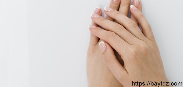 كيفية التخلص من الجلد الميت حول الأظافر