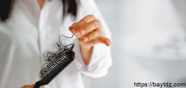 ما سبب تساقط الشعر بعد الولادة