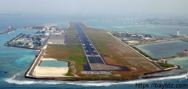 ما هو مطار جزر المالديف
