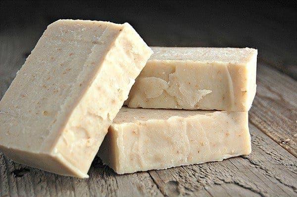 اصنع صابون مواعين من بواقي الزيت في منزلك، واربح المال