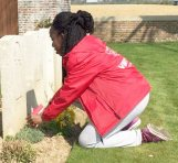 Weadee Mombo at Nine Elms Military Cemetery in Thelus.