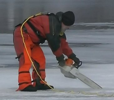 Cutting ice to find missing man