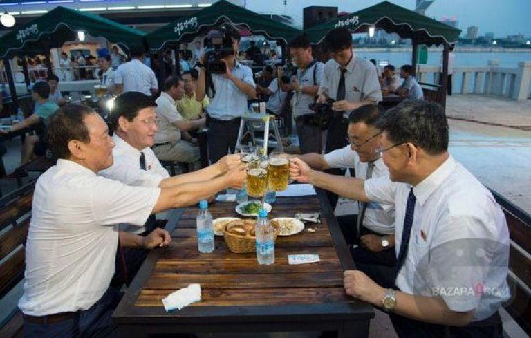 BeerFest_North_Korea_Bazara0(2)