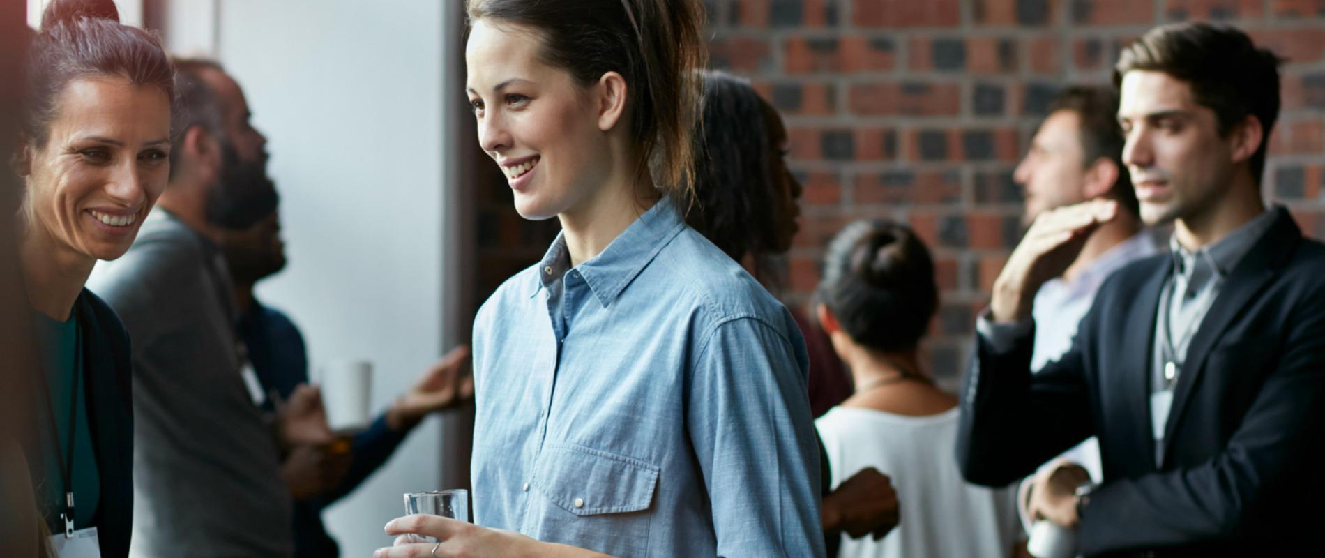 Les 5 astuces pour organiser un cocktail dinatoire au boulot !