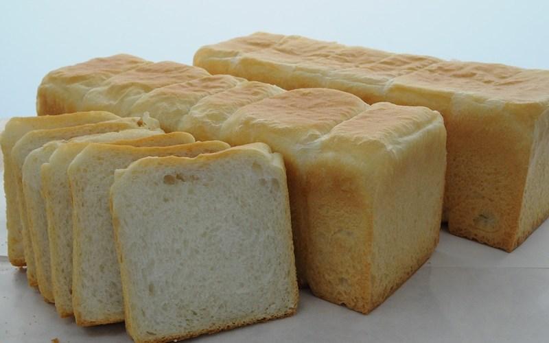 本日「そのまんま食パン」100円引きで販売。