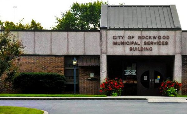 "Rockwood Council says, ""if you have no water service, you can't live there until it is restored"""
