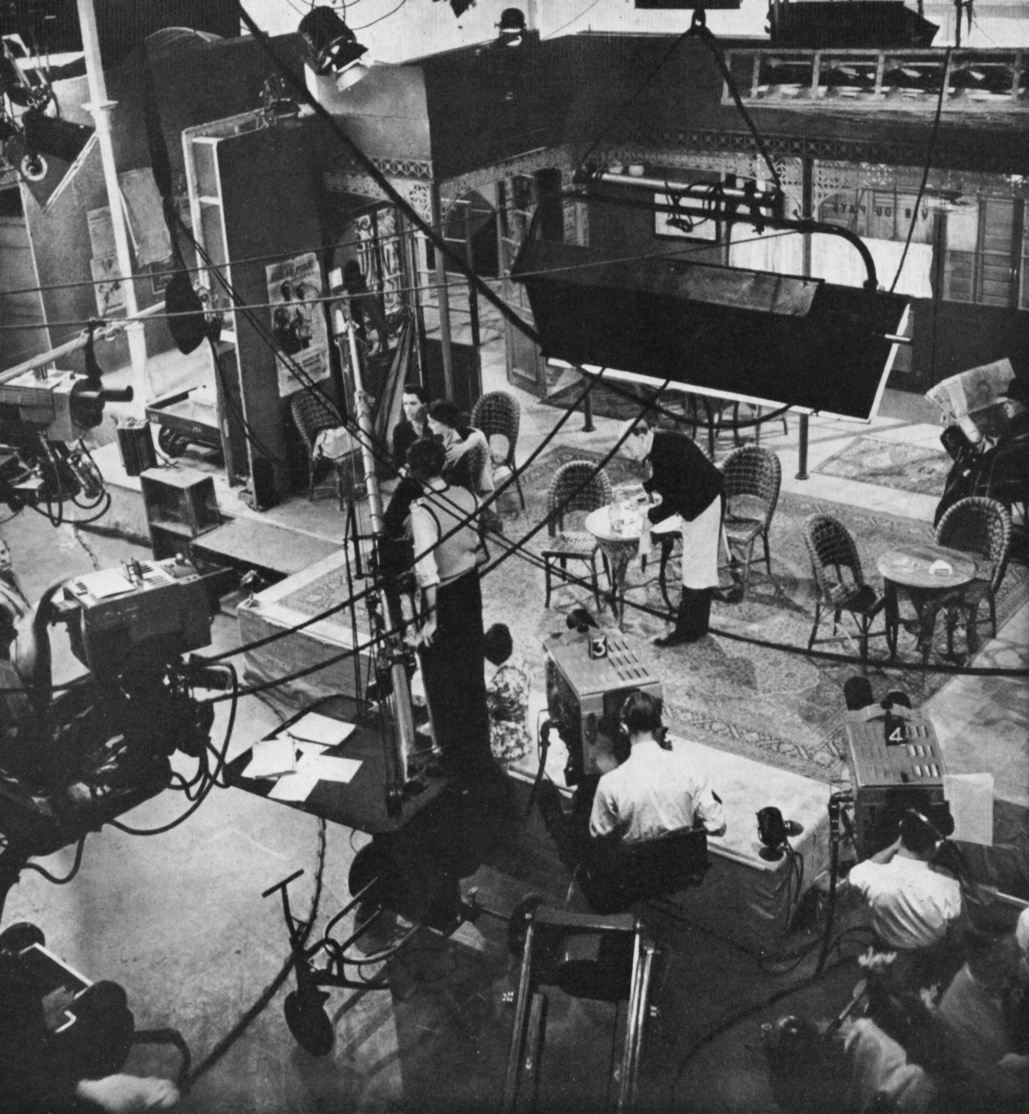 A view of the entire sound stage.