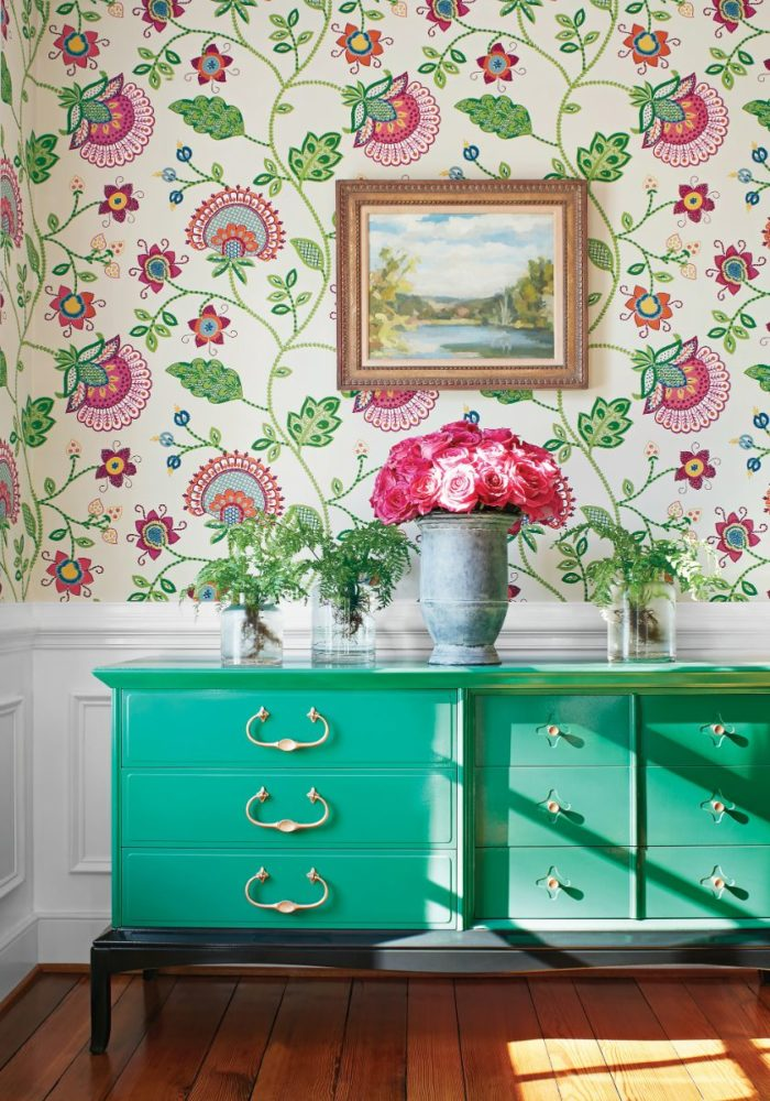 From 1988 selecta parati started to distribute wallpaper in italy, and from 2008, thanks to the highest quality products selecta parati has started. Portofino Wallpaper B B Distribuzione