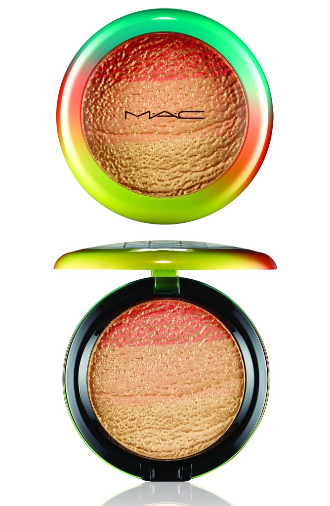MAC WASH & DRY-HIGHLIGHT POWDER-FRESHEN UP_300