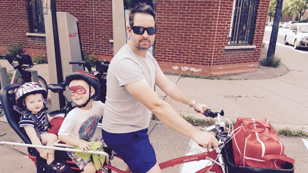 Vélo cargo en famille