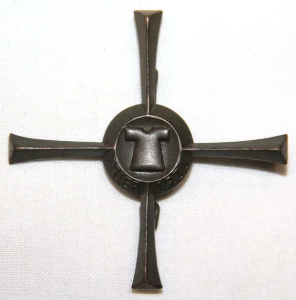 P029. WWII GERMAN TRIER CROSS TINNIE BADGE