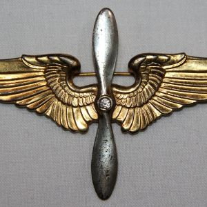 I087. WWII AVIATION CADET WING AND PROP SWEETHEART PIN