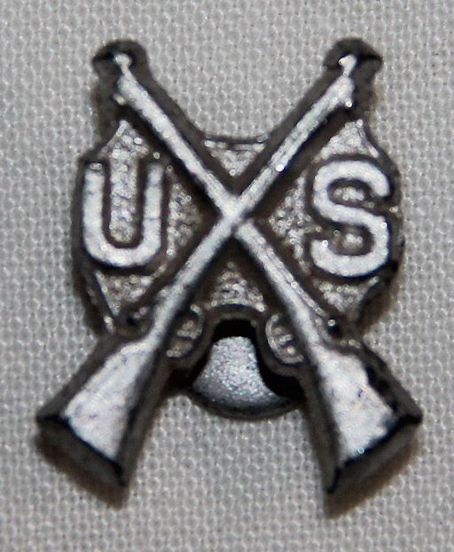 I005. WWII HOME FRONT U.S. INFANTRY LAPEL PIN
