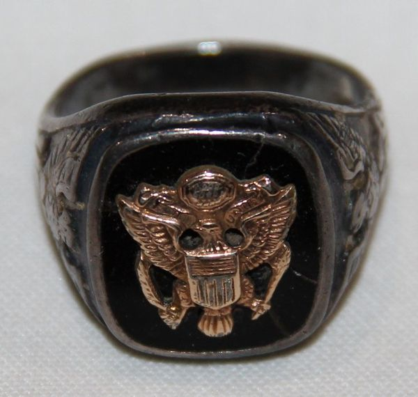 H026. WWII U.S. ARMY RING, STERLING HALLMARKED