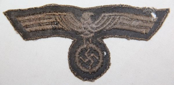 O.045. LATE WWII GERMAN ARMY EM/NCO UNIFORM BREAST EAGLE