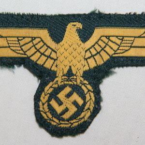 O.047. WWII KRIEGSMARINE COAST ARTILLERY EM/NCO UNIFORM BREAST EAGLE