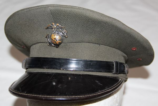 C019. WWII PRIVATE PURCHASE USMC VISOR CAP WITH EG&A