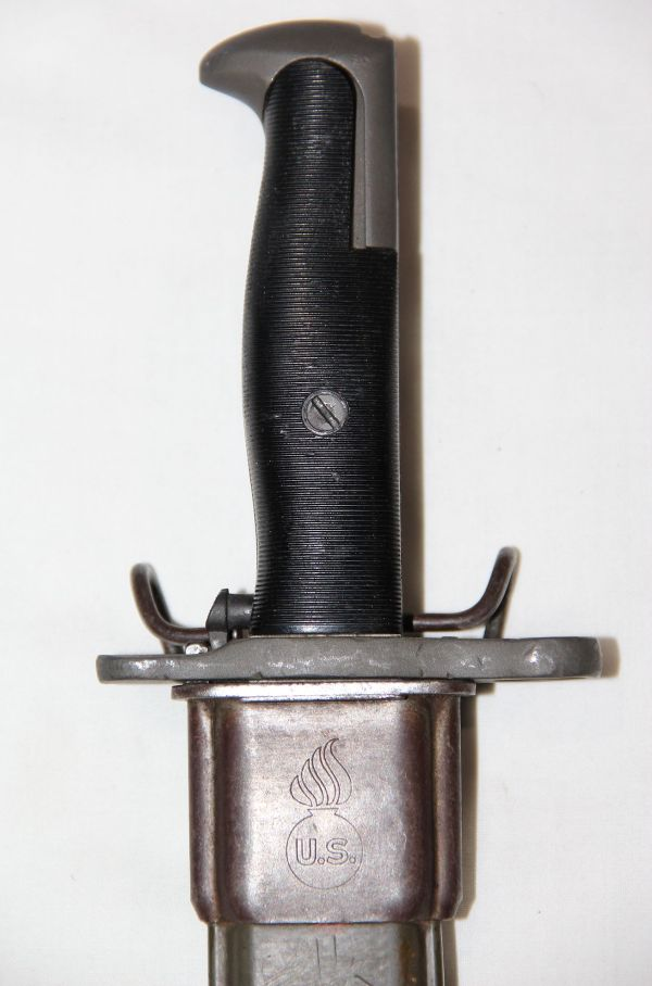 """F008. NICE WWII 1906 S.A. SHORTENED 10"""" M1 BAYONET AND SCABBARD"""