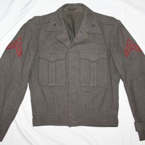 S023. POST WWII USMC VANDERGRIFT JACKET W/ WWII EG&A'S & CORPORAL CHEVRONS