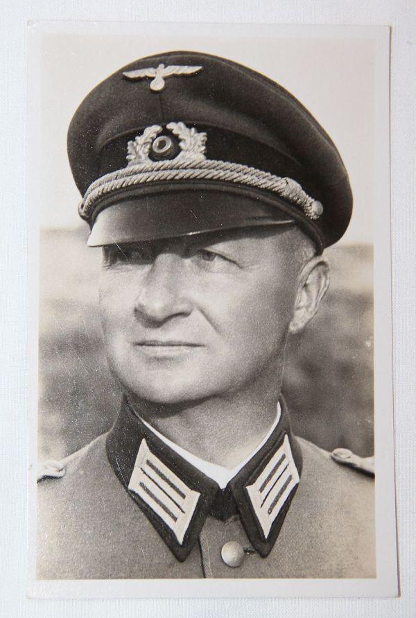 R029. WWII GERMAN OBERST DOMANSKI POSTCARD 122ND ARTILLERY REGIMENT COMMANDER