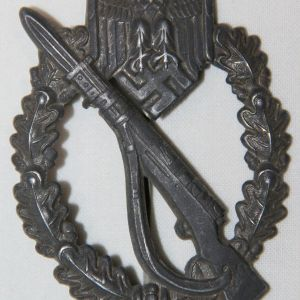 Q026. WWII GERMAN INFANTRY ASSAULT BADGE IN SILVER