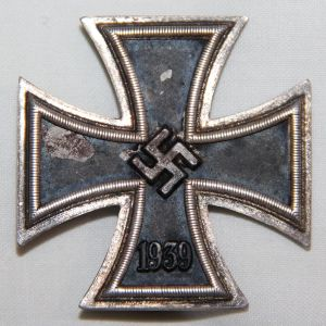 "Q029. WWII GERMAN FIRST CLASS IRON CROSS HALLMARKED ""20""."