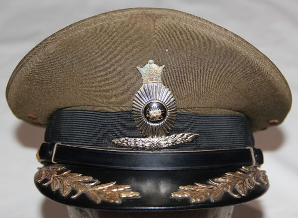 U015. RARE PRE REVOLUTION SHAH ERA IRANIAN ARMY OFFICERS VISOR CAP