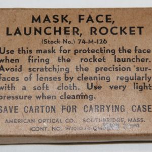 E087. WWII BAZOOKA ROCKET LAUNCHER FACE MASK GOGGLES IN BOX