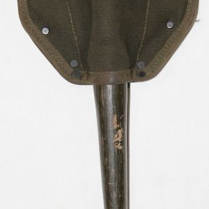 T083. VIETNAM 1966 ENTRENCHING TOOL SHOVEL WITH USMC 1966 M-1943 COVER