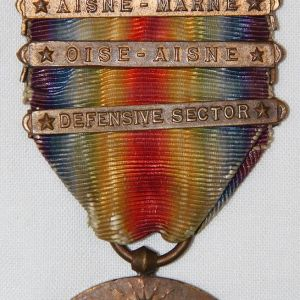 B095. WWI 4 CLASP VICTORY MEDAL WITH RIBBON BAR