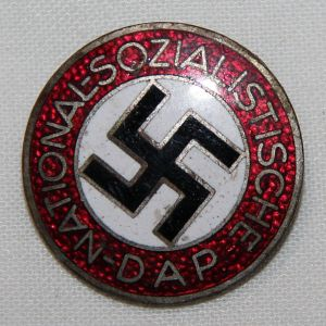 P043. WWII GERMAN NSDAP MEMBERSHIP PIN HALLMARKED RZM M1/66
