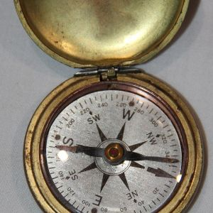 B110. WWI TAYLOR BRASS U.S. CORPS OF ENGINEERS POCKET COMPASS