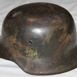 L024. SALTY WWII GERMAN ckl66 M42 SINGLE DECAL ARMY CAMOUFLAGE HELMET