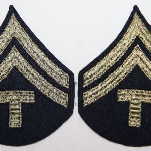 G081. WWII EMBROIDERED ON FELT TECHNICIAN 5TH GRADE CHEVRONS