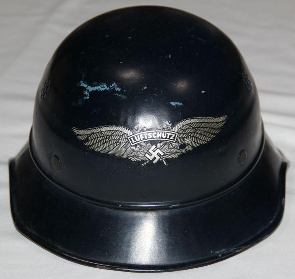 L028. NICE LATE WWII GERMAN LUFTSCHUTZ M38 GLADIATOR HELMET