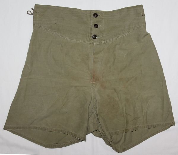D042. WWII 1944 DATED BOXER SHORTS UNDERWEAR