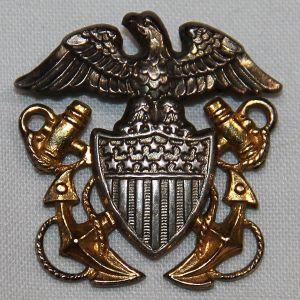 H057. WWII U.S. NAVY OFFICERS GARRISON CAP BADGE BY N.S. MEYER