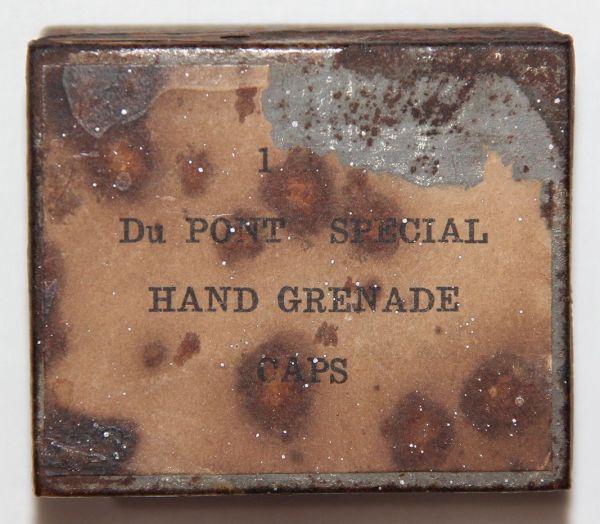 A029. RARE CIVIL WAR DU PONT SPECIAL HAND GRENADE CAPS BOX WITH 23 CAPS