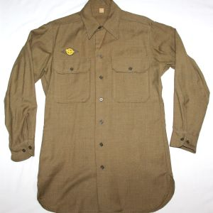 D047. NICE WWII MUSTARD COLOR WOOL COMBAT FIELD SHIRT