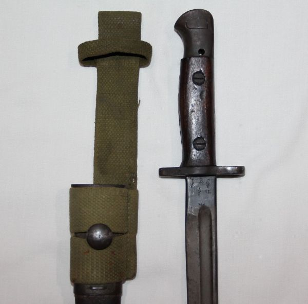 F019. WWI-WWII BRITISH 1907 SMLE BAYONET WITH SCABBARD AND FROG