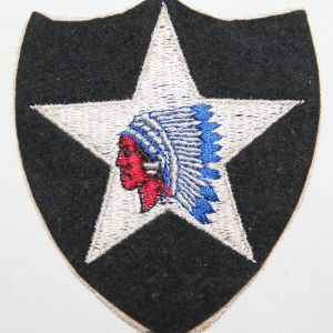 G123. WWII 2ND DIVISION EMBROIDERED ON WOOL FELT PATCH