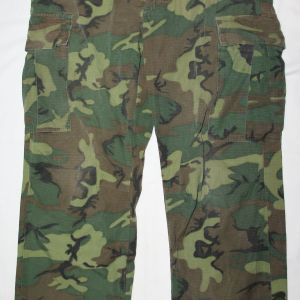 T126. VIETNAM ERDL CAMOUFLAGE COMBAT JUNGLE TROUSERS
