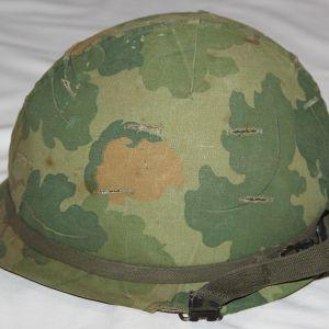 T141. NICE VIETNAM M1 HELMET SET