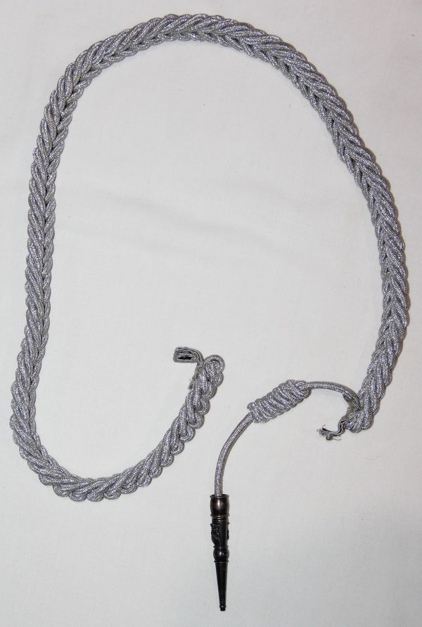 U030. U.S. AIR FORCE HONOR GUARD OFFICER SERVICE AIGUILLETTE