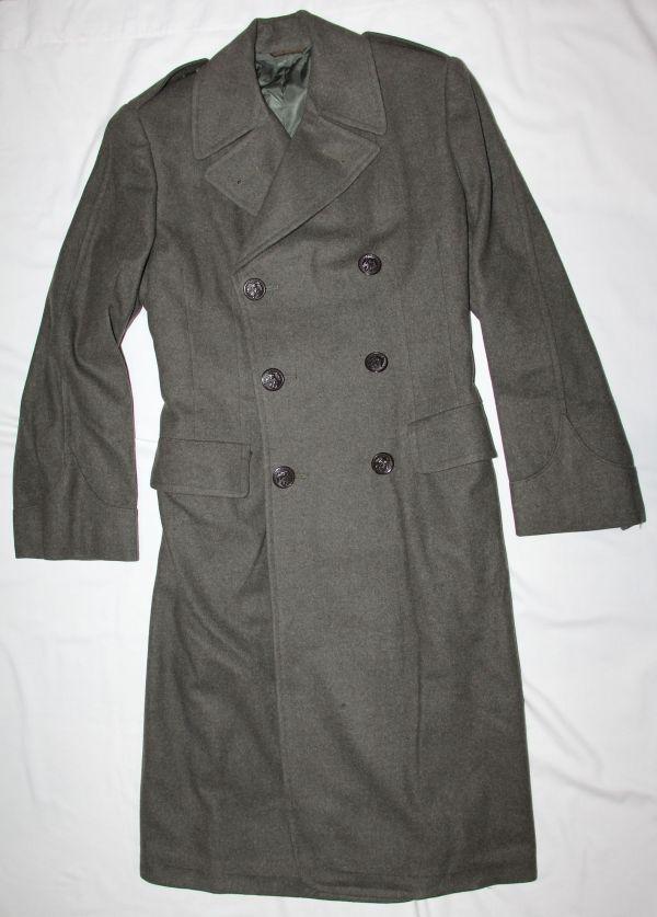 D061. WWII BRITISH MADE WOMENS USMC WOOL OVERCOAT