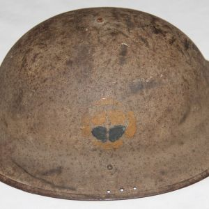B174. WWI 35TH DIVISION 138TH INFANTRY PAINTED M1917 HELMET